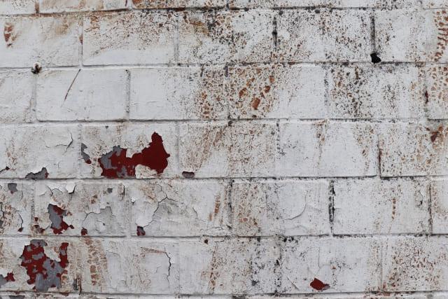 横浜在住の外壁塗装を検討中の方必見!剝がれ補修についてご説明します!